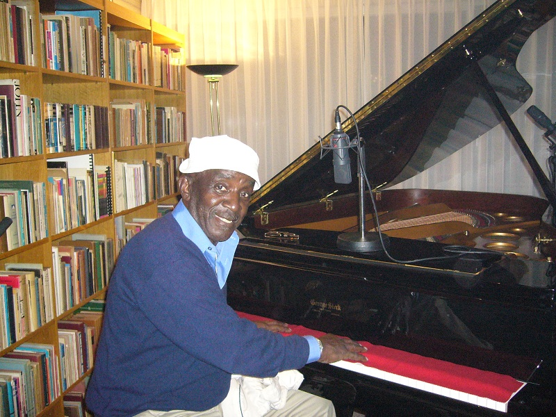 playing the beautiful piano, resulting in pure blues CD