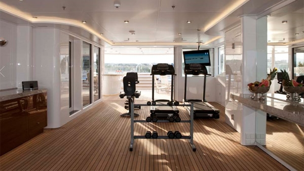 yacht8.jpg