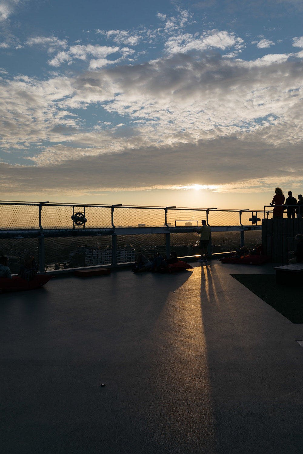Silkroad Magazine Cathay Dragon - Amsterdam - A'dam Lookout