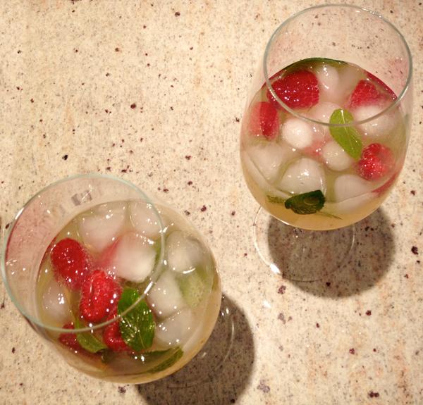 mint_lemonade_recipe_edmonton_blog_fashion_style_events.jpg