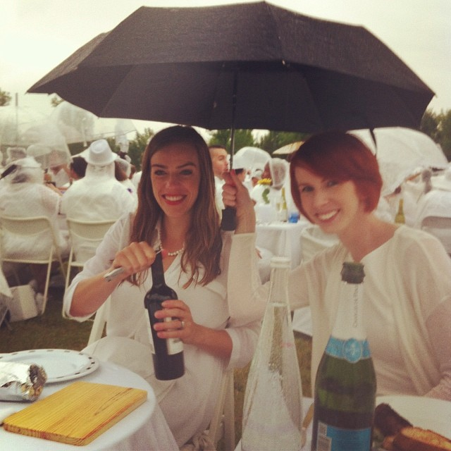 A little rain won't stop Kendall and Gillian from dining outside #yeg #DEByeg