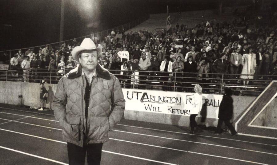 Curtis at the Rally to Save Maverick Football. ( Ed Sackett, Dallas Morning News )