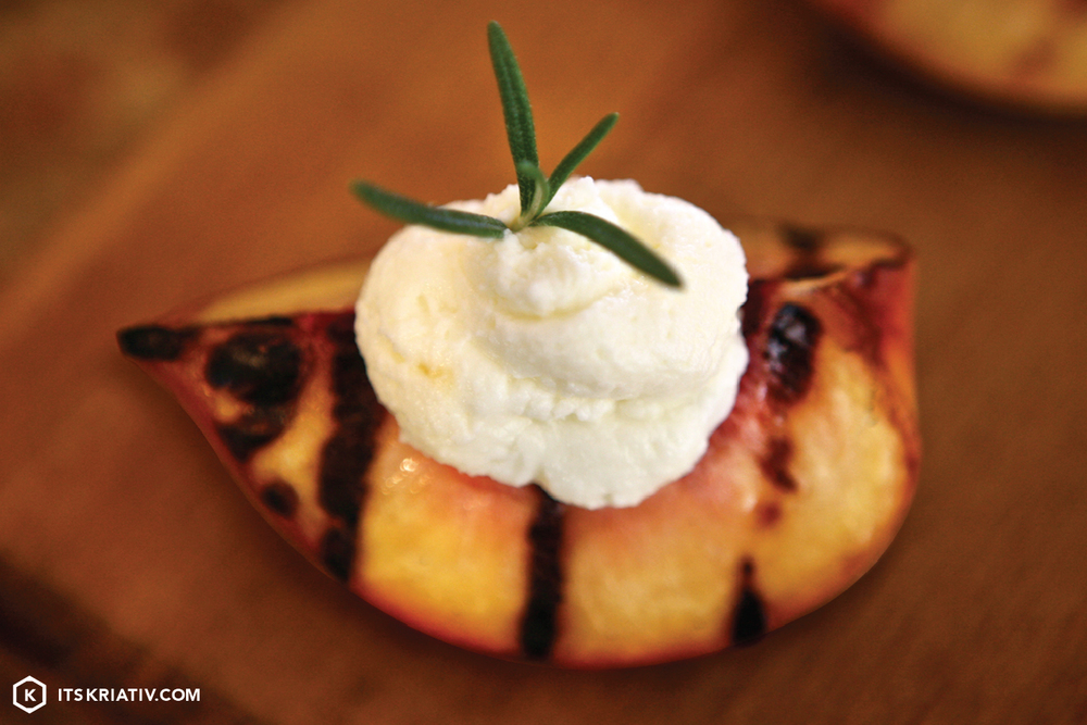 Oct_13_Food_GrilledPeaches_01a-07.jpg
