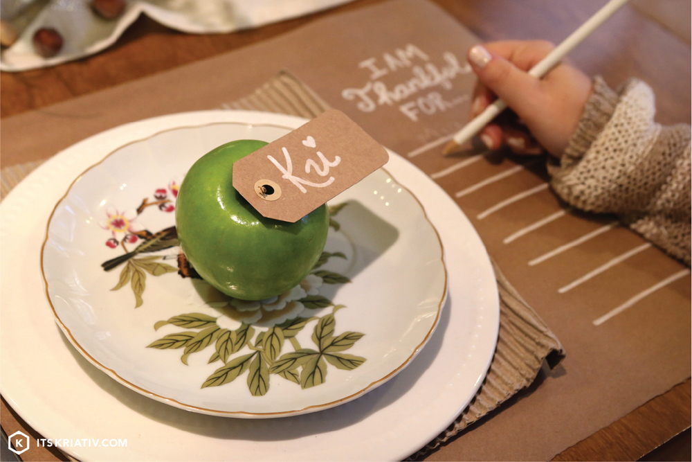 13_Nov_Decor-DIY-Thanksgiving-Place-Setting-05.jpg