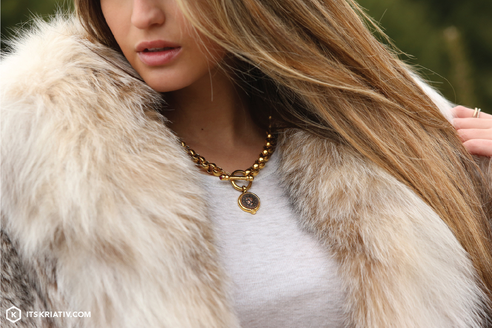 Fashion-Christmas-Tree-Farm-Fur-Givency-Jewelry_01.jpg