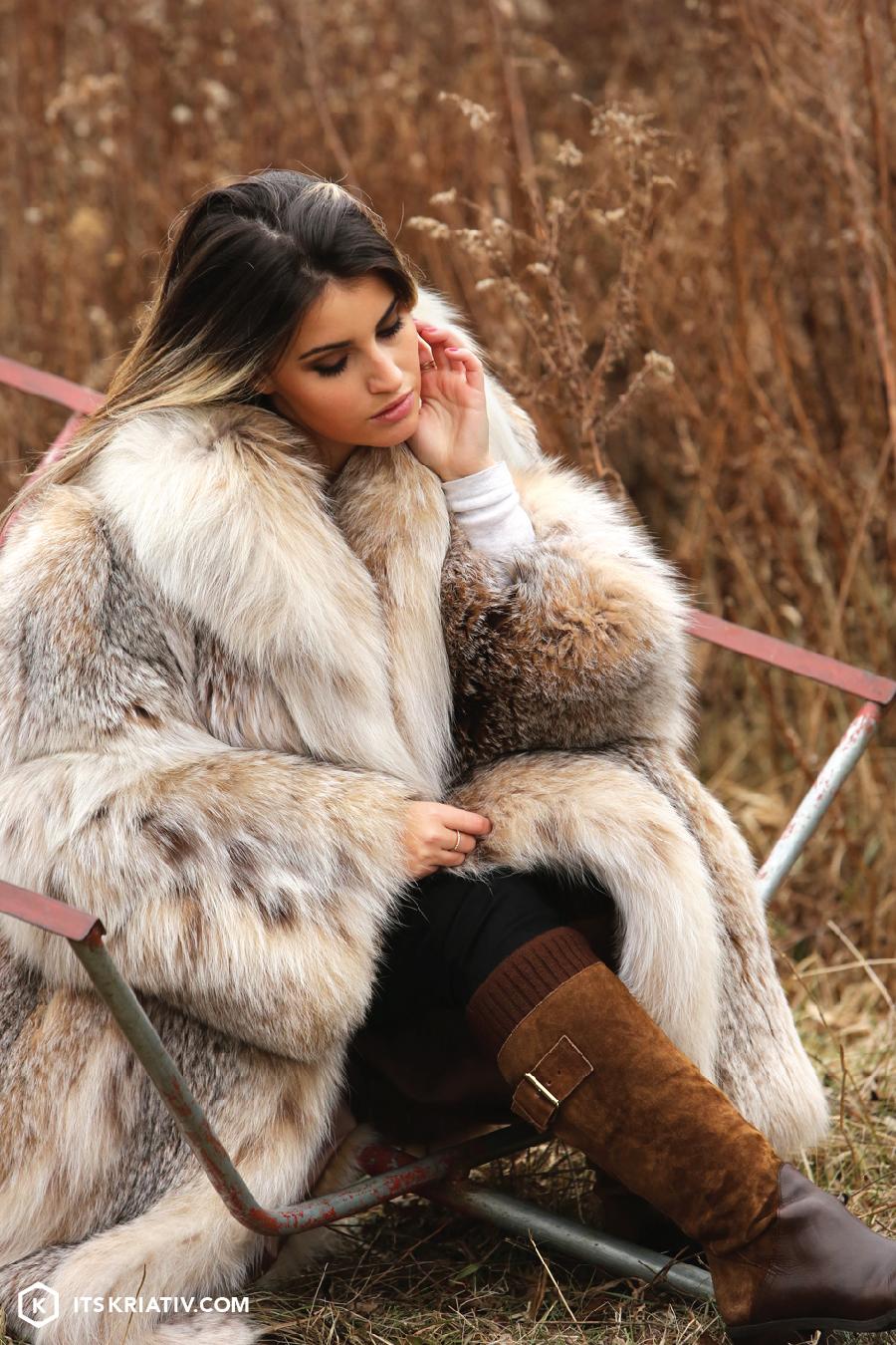 Fashion-Christmas-Tree-Farm-Fur-Boots-Winter_02.jpg