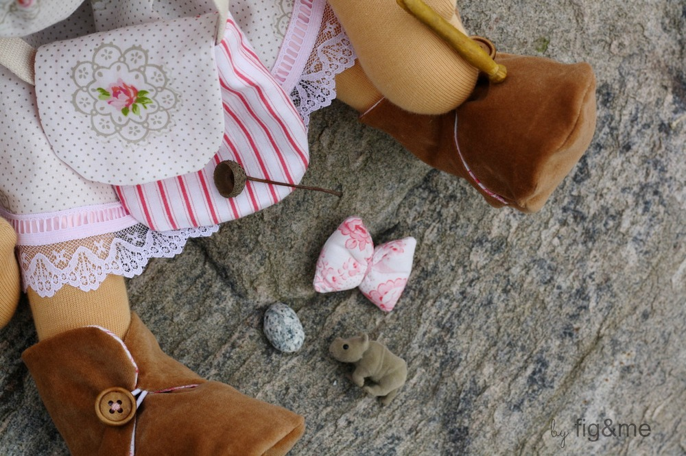 a little bag full of girl treasures, by figandme.