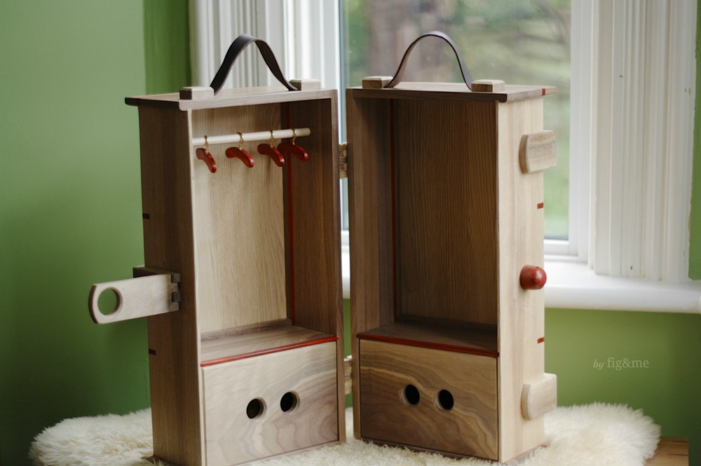 Ash-walnut doll steam trunk, by fig&me