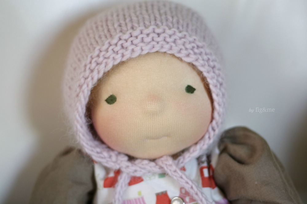 Simply Baby Bonnet, a free knitting pattern.   Fig & Me