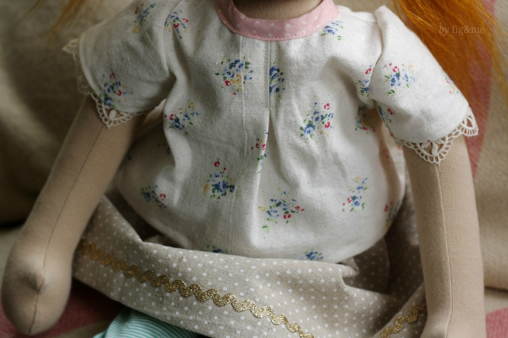 A pretty linen top for Miss Opinionated, by Fig&me