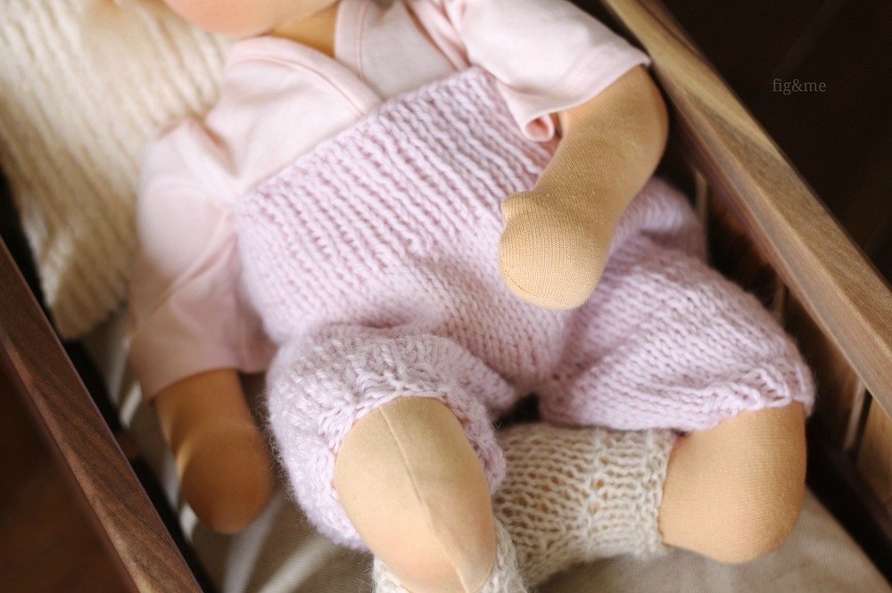 Kand knit baby overalls, by Fig&me