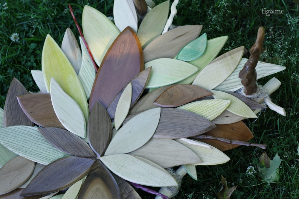 Watercoloured, sanded, overlapping wooden leaves (and branches!) by Fig&me