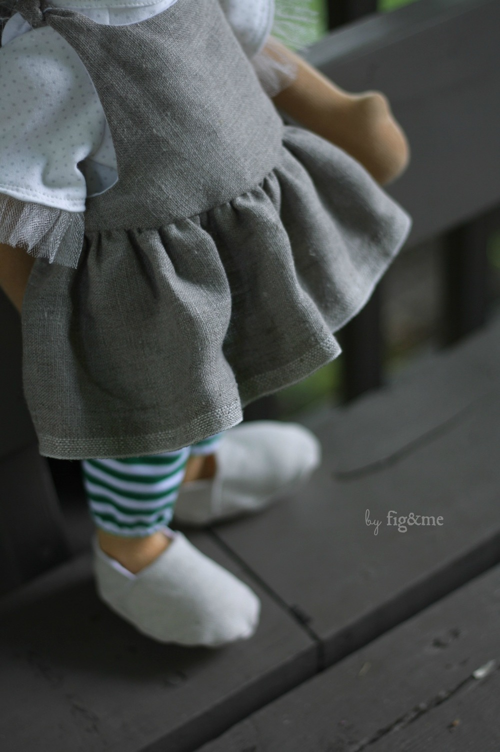 Linen pinafore with the prettiest selvedge, by Fig and Me.