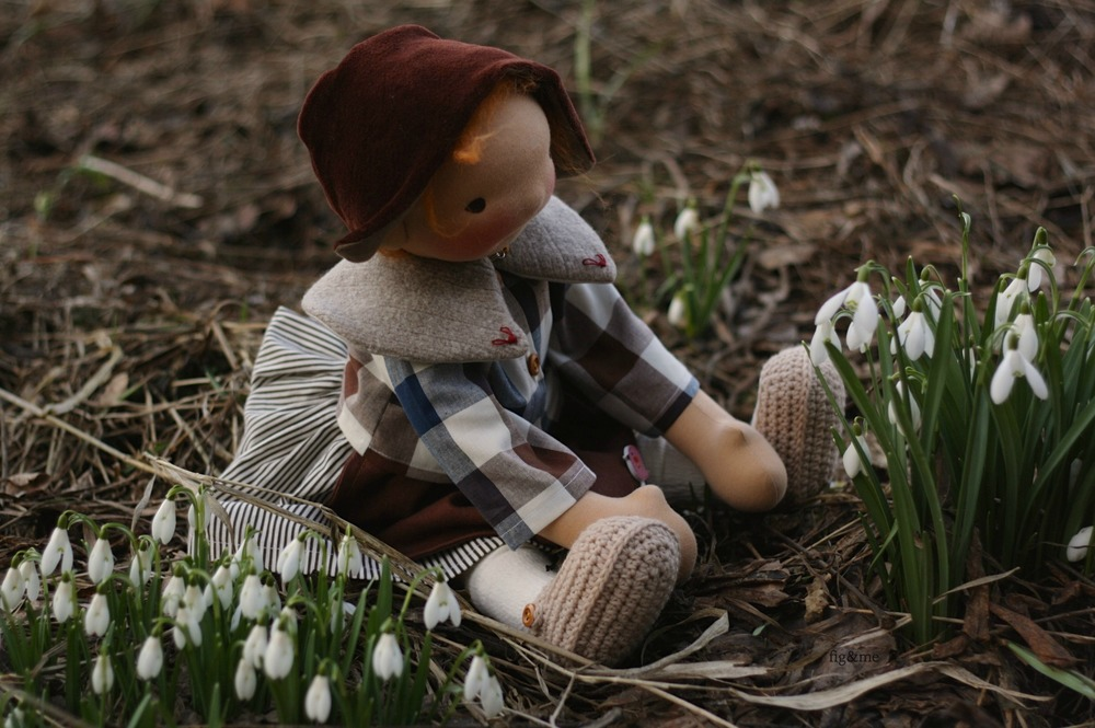 Playing with the snowdrops, by Fig and me
