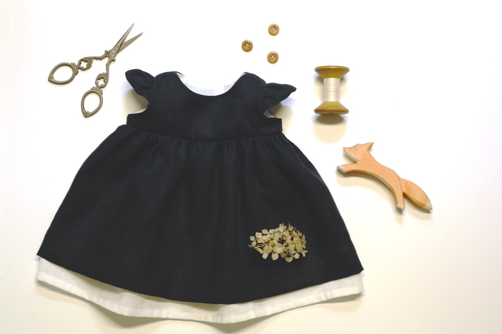 Little Blue Dress, DIY doll clothing pattern by Fig&me.