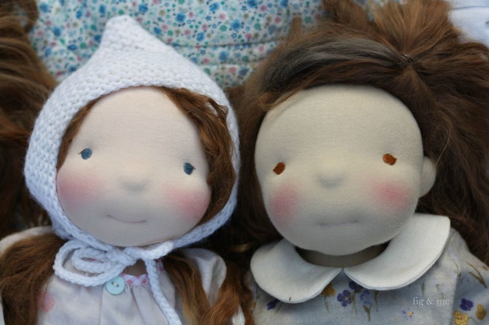 Two beautiful little dolls, waldorf inspired, wearing their lovely clothes (via Fig and me)