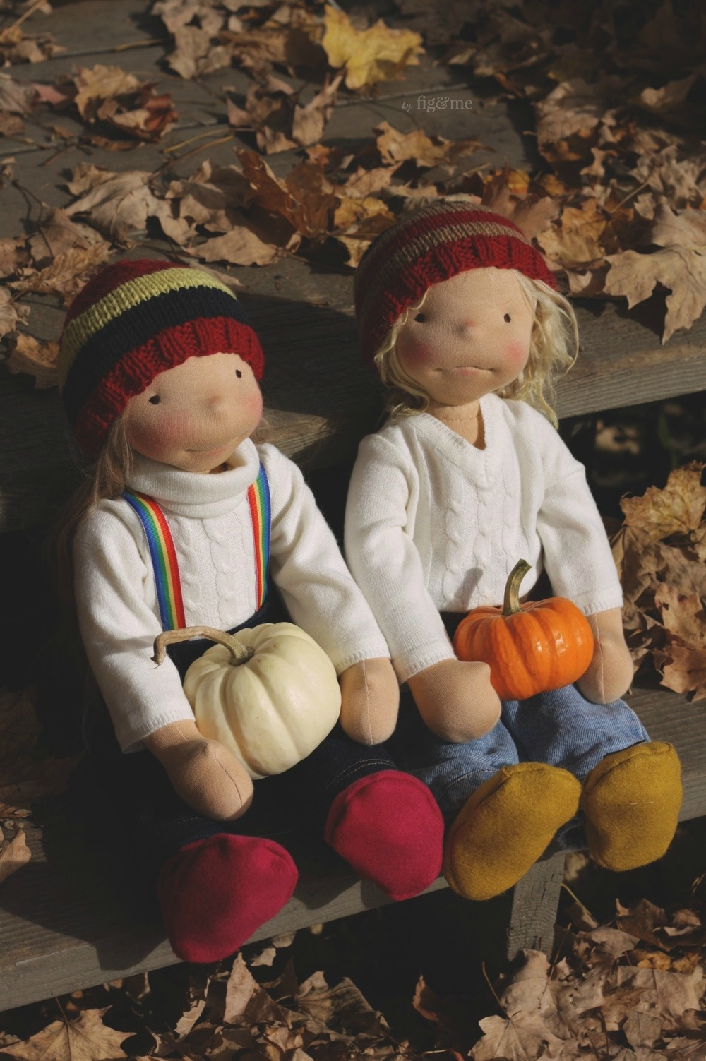 Tonja and Kelly, two custom natural fiber art dolls ready for Halloween. By Fig and me.