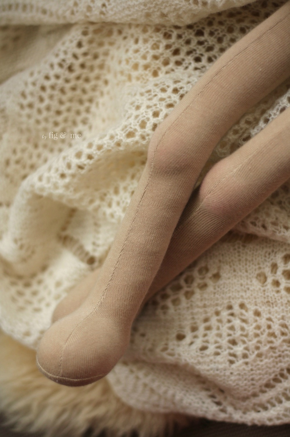 Long legs that go for day…or so they say. A natural fiber art doll in the making, by Fig and Me.