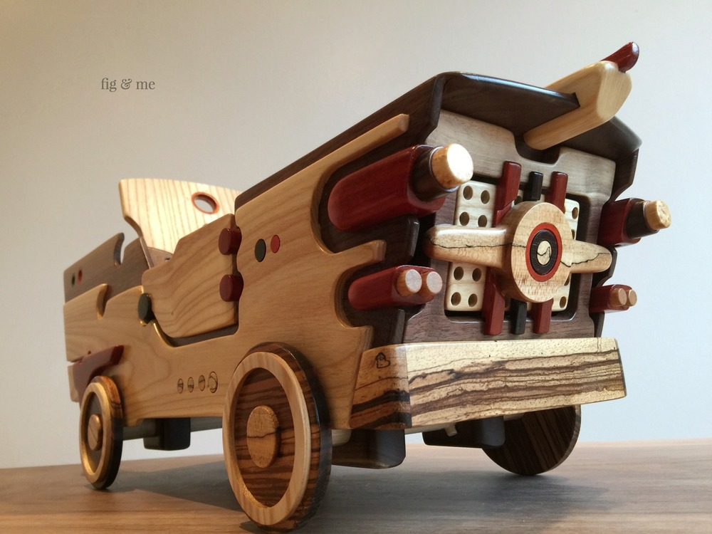 Gravity racer, a wooden speed car for your doll by Fig and Me.
