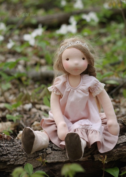Augusta, a natural fiber art doll by Fig and Me. Spring 2016 collection.