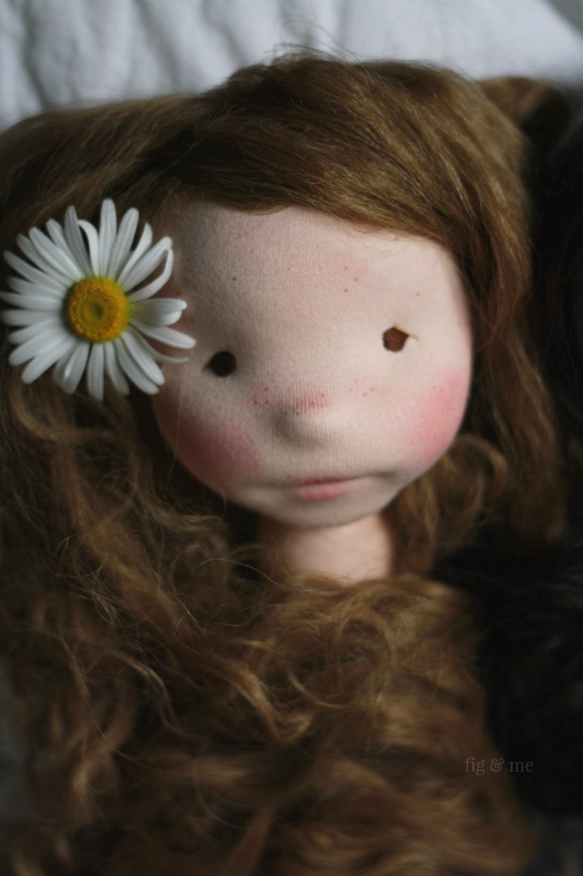 Hedwig, a natural cloth art doll by Fig and Me. Long camel weft hair and a sweet daisy for good measure.