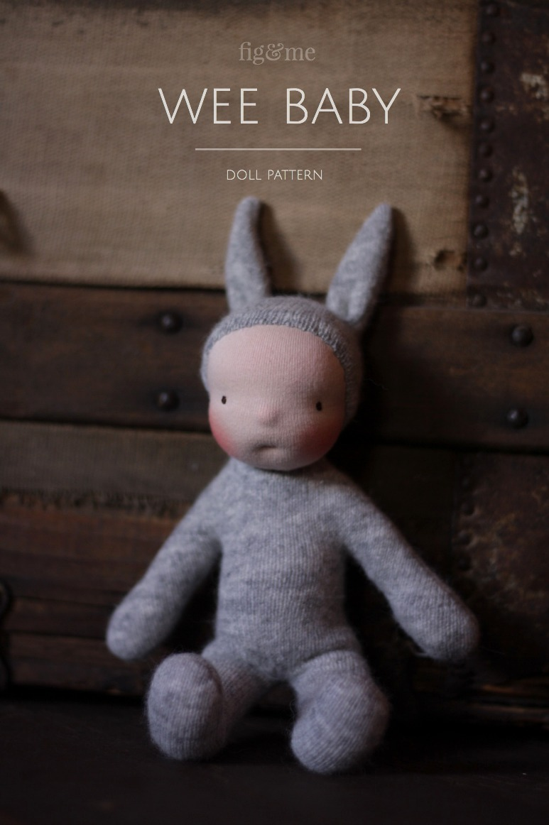 The Wee Baby doll pattern by Fig and Me is simple and easy. With few materials you accomplish this sweet little doll in a short time. Squishy and perfect for young hands.