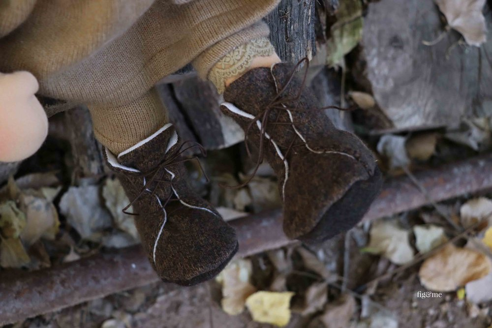 Tall boots, to walk the many trails. Made of lambswool and merino with leather straps, lined and oh! so cozy. via Fig and Me #dollmaking #dollclothing