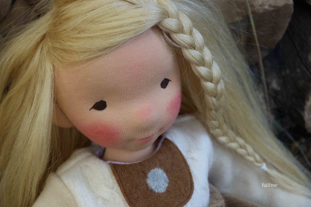 Aspen, a natural fiber art doll by Fig and Me #dollmaking #clothartdoll #naturalfiberartdoll