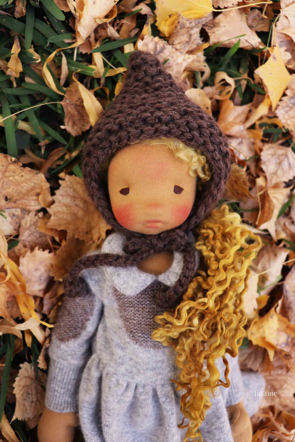Mori, with those gorgeous super long wool locks (hand dyed with apple bark and leaves!) and her cozy knitted topper. Handmade art doll by Fig and Me.