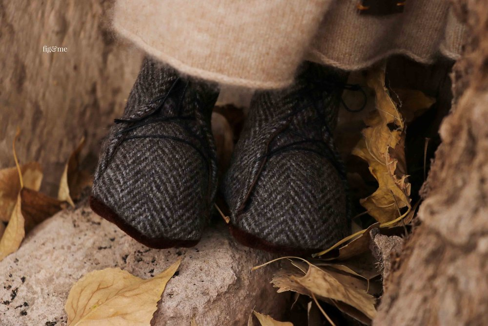 Little doll boots, made with irish tweed, lined, and with soft velour soles and leather ties. By fig and me.