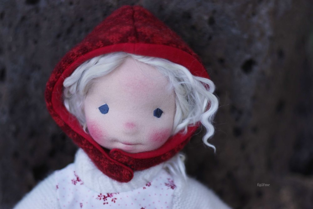 Rúna on her way to market, by Fig and Me.