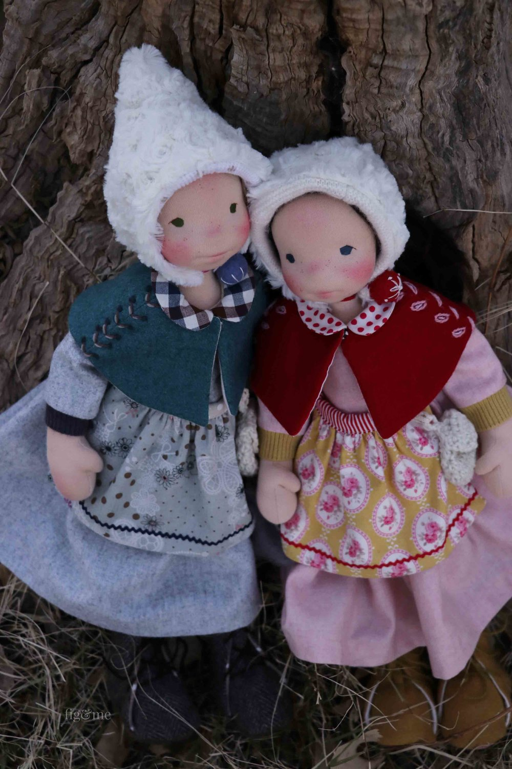 Snow White and Rose Red, two natural fiber art dolls by Fig and Me.