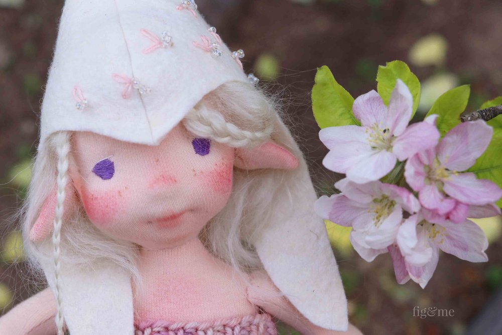 Maedhbhina is a natural fiber art doll, created by Fig and Me.