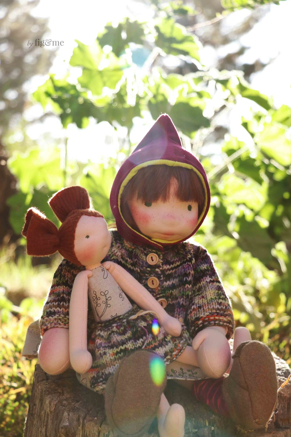 Sunny and Aibreann, a set of natural fiber art dolls by Fig and Me.