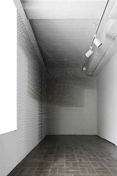 Full or Empty No.03    Cotton Yarn  Site-specific installation  2015