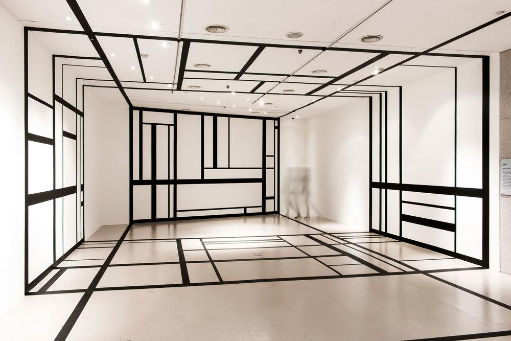 4.EunHyeKang_Linear-Space_Tape_Site-specific-installation_2018.jpg
