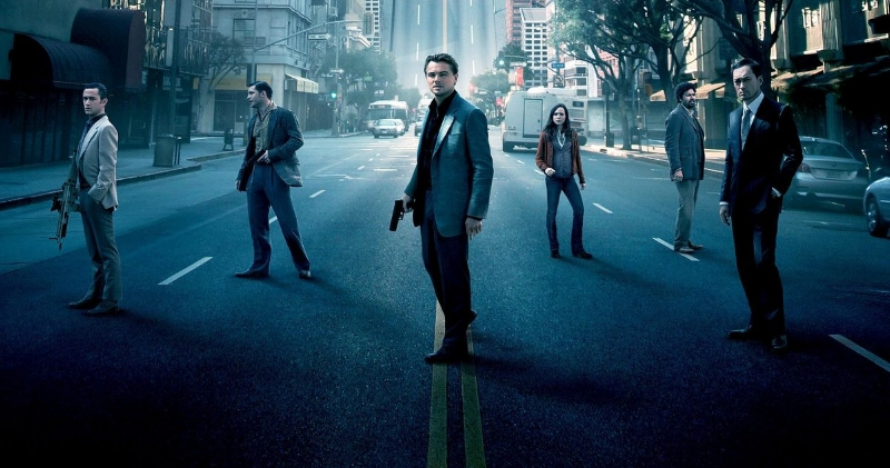 The heist never happened as the crew was caught on the street brazenly after curfew. (letterboxd.com)