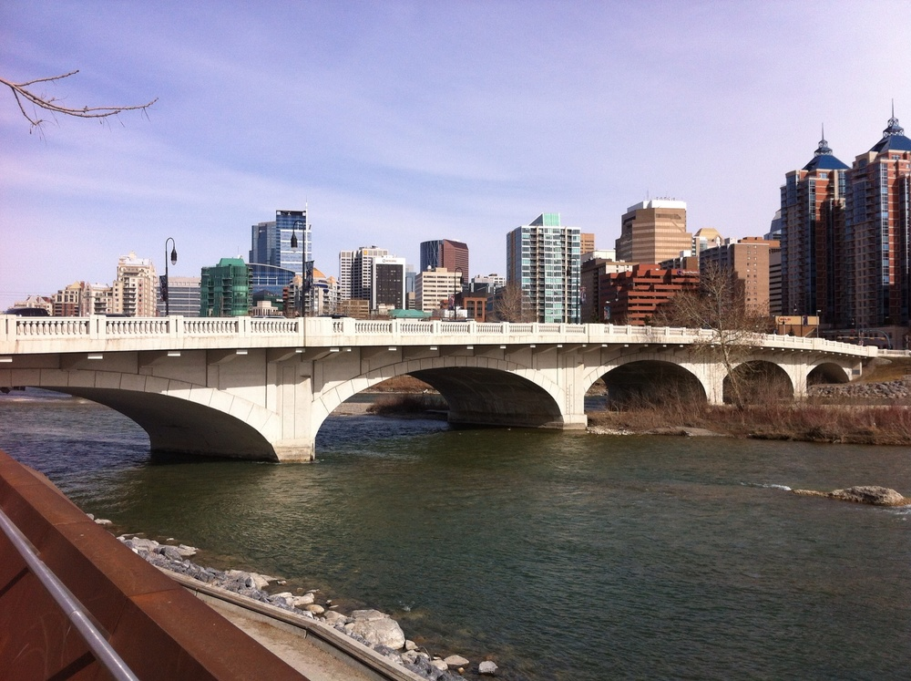 A view of Downtown from Poppy Plaza and the elegant Louise Bridge.
