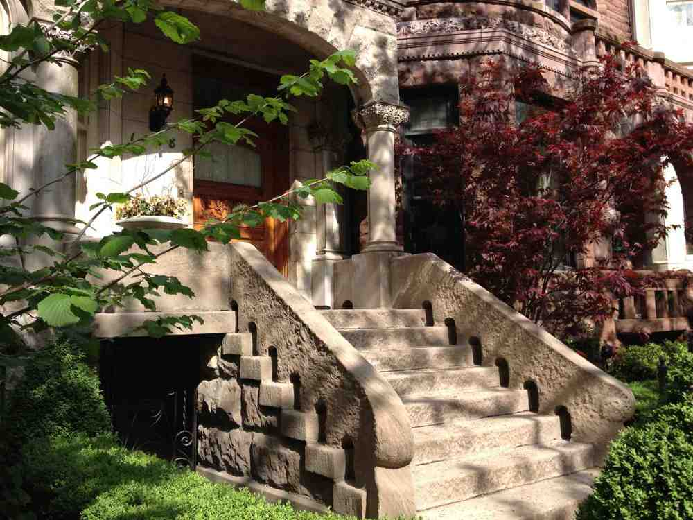 Not all of the staircases were wrought iron.  This stone staircase provides a nice contrast to the black iron railing.