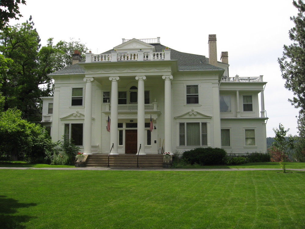 John Finch House was built by Kitland Cutter in 1897.  The tall Ionic columns convey the aristocratic aspirations of many of Spokane's wealthy businessmen at the turn of the 20th century.