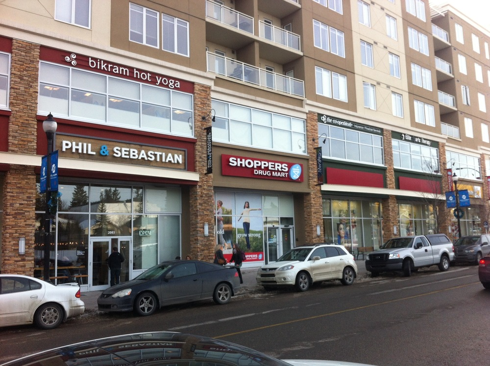 Marda Loop is full of pubs, diners, yoga studios and shops including the very popular Phil & Sebastian coffee house.