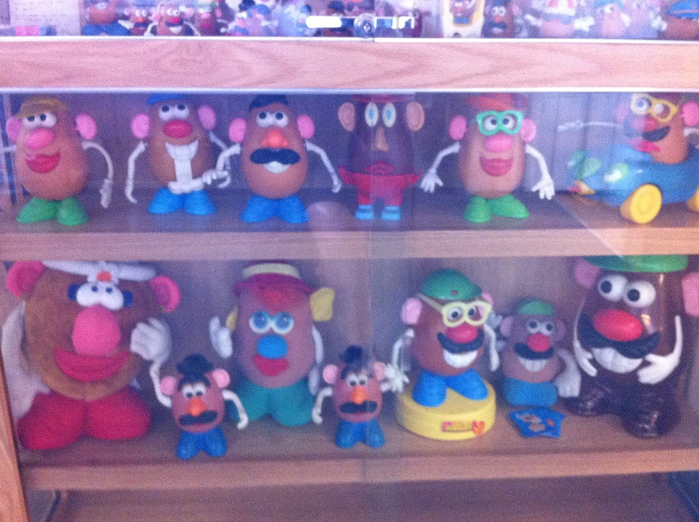Yes the museum has a collection of Mr. Potato Heads.