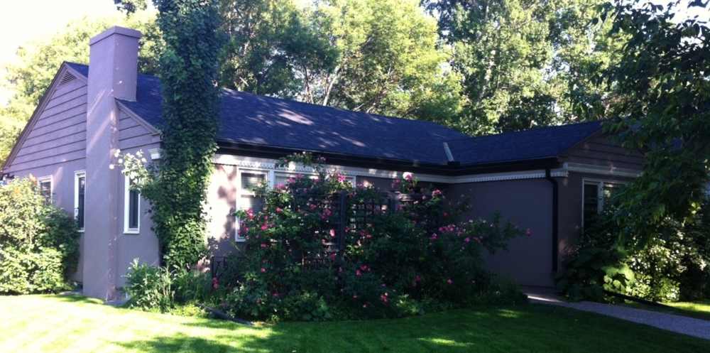 An example of one of the few remaining bungalows in Cliff Bungalow.