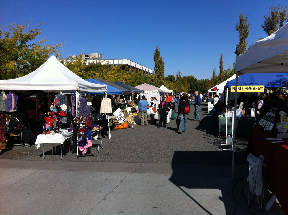 Richland's downtown farmers' market