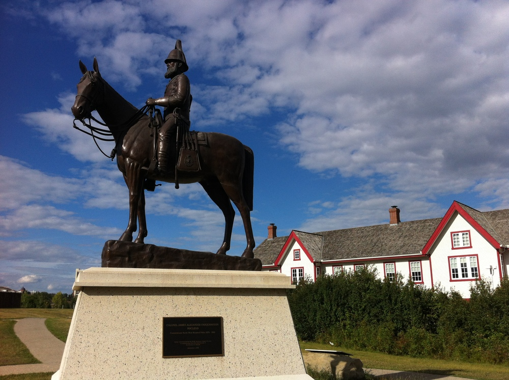 Monument to Colonel Macleod.