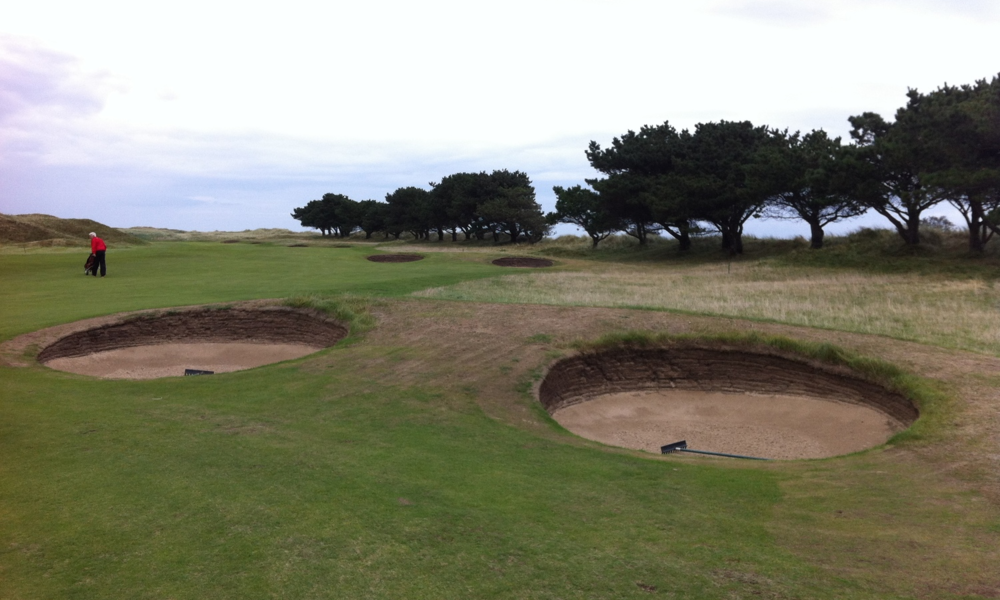 The course feels very much like the link courses in Scotland - flatter with lots of pot bunkers.