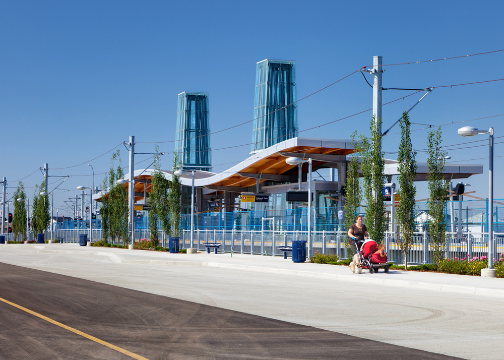 The northeast LRT extension included the new Martindale Saddletowne station. (photo credit: GEarchitecture)