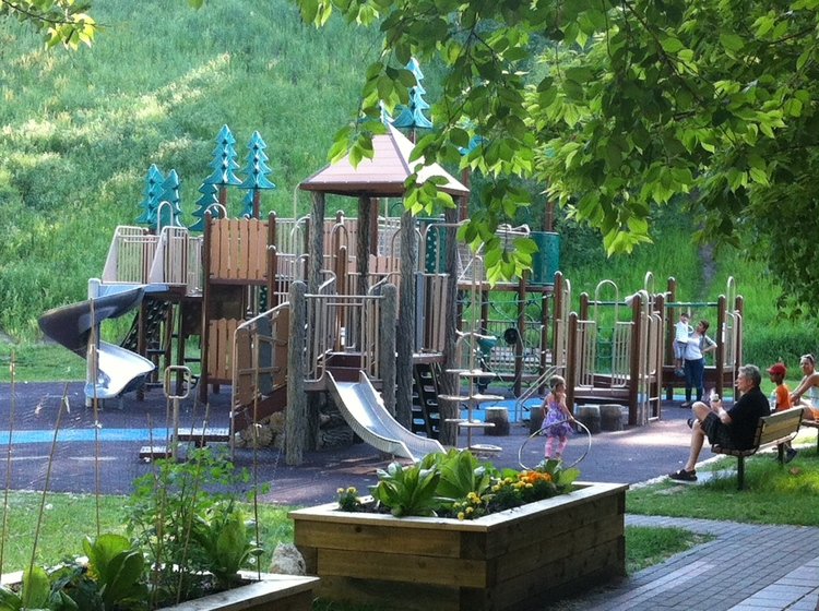 Cliff Bungalow playground is an intimate garden-like spacebeside the school.
