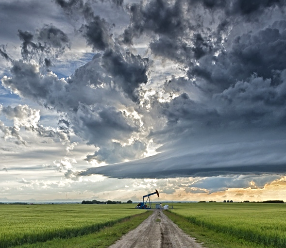 Storm forming, near Balzac