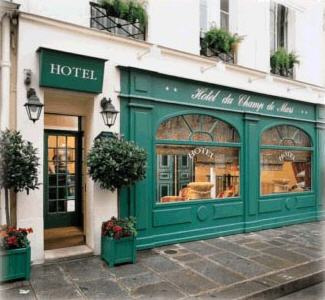 The quaint Hotel de Champe de Mars